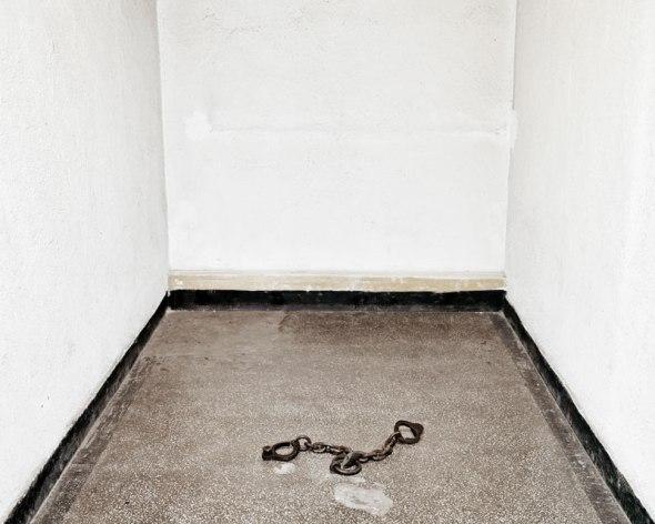 Tamas_Dezso_Epilogue_prison darkroom